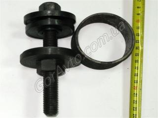 Съемник для снятия и установки подшипников ступиц